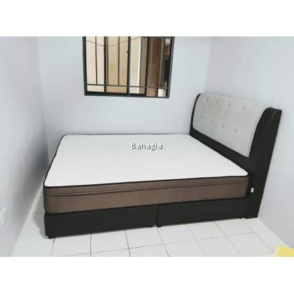 Knight Bedroom Set