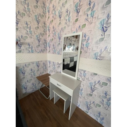 Snow White Dressing Table