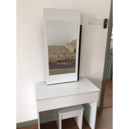 Amber Dressing Table